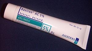 Benzoyl_peroxide
